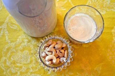 カシューナッツミルク